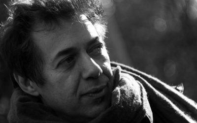 """Agenzia Pertica: il """"tristissimo romanzo comico"""" di Luca Ragagnin inaugura la collana ScafiBlù"""